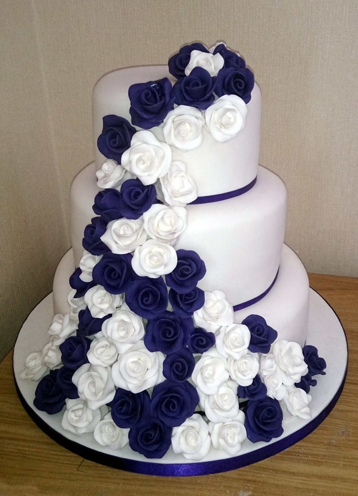 Blue And White Wedding Cakes Prices