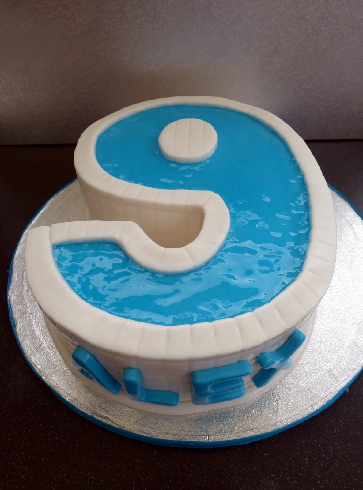 Swimming Pool Party Number 9 Birthday Cake With Pool Party Cupcakes Susie 39 S Cakes